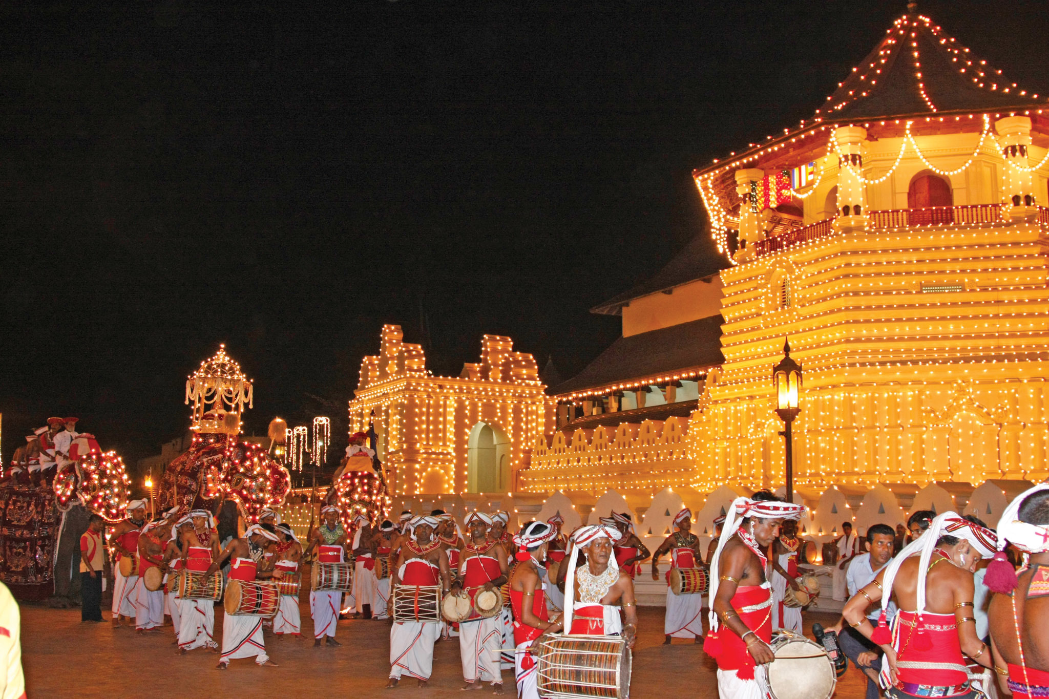 Карнавальное шествие Перахера в Канди