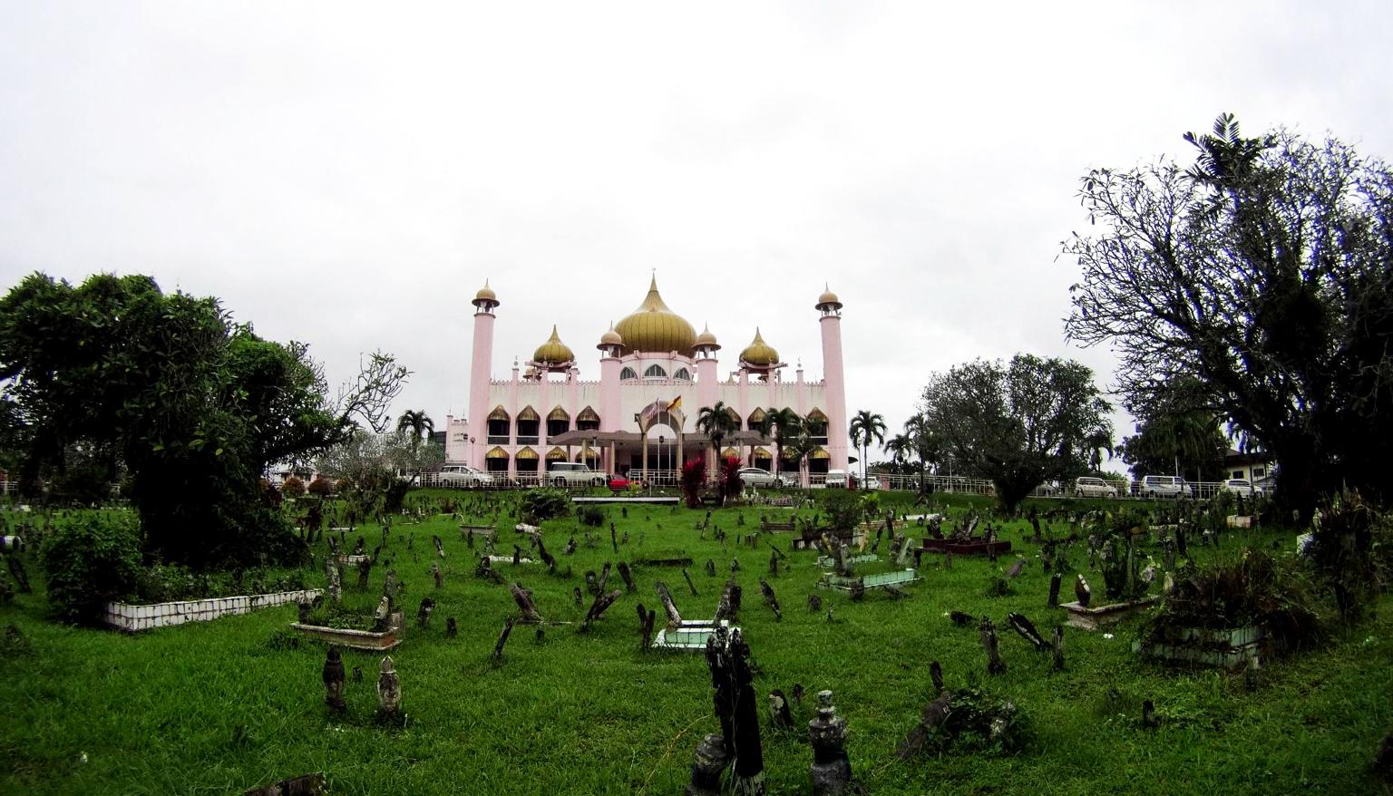 Мечеть Кучинга в самом центре города