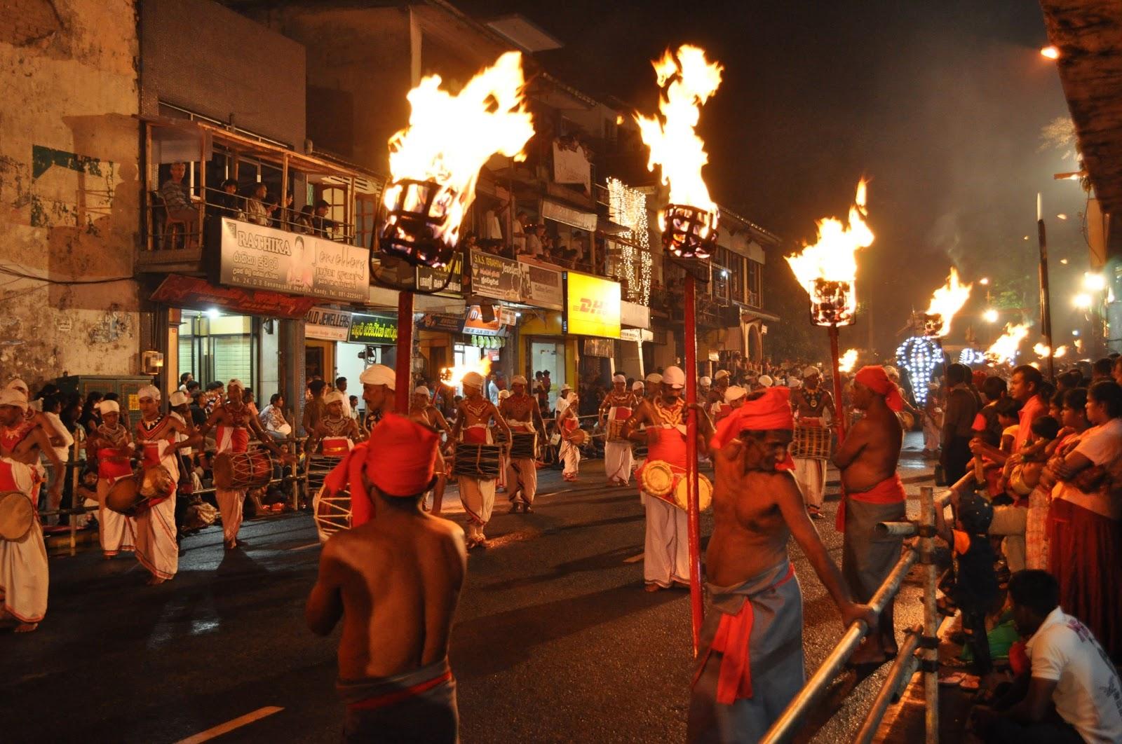 Парад Перахера в Канди