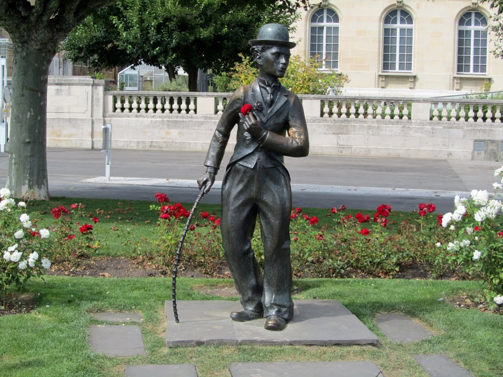 Статуя Чарли Чаплина