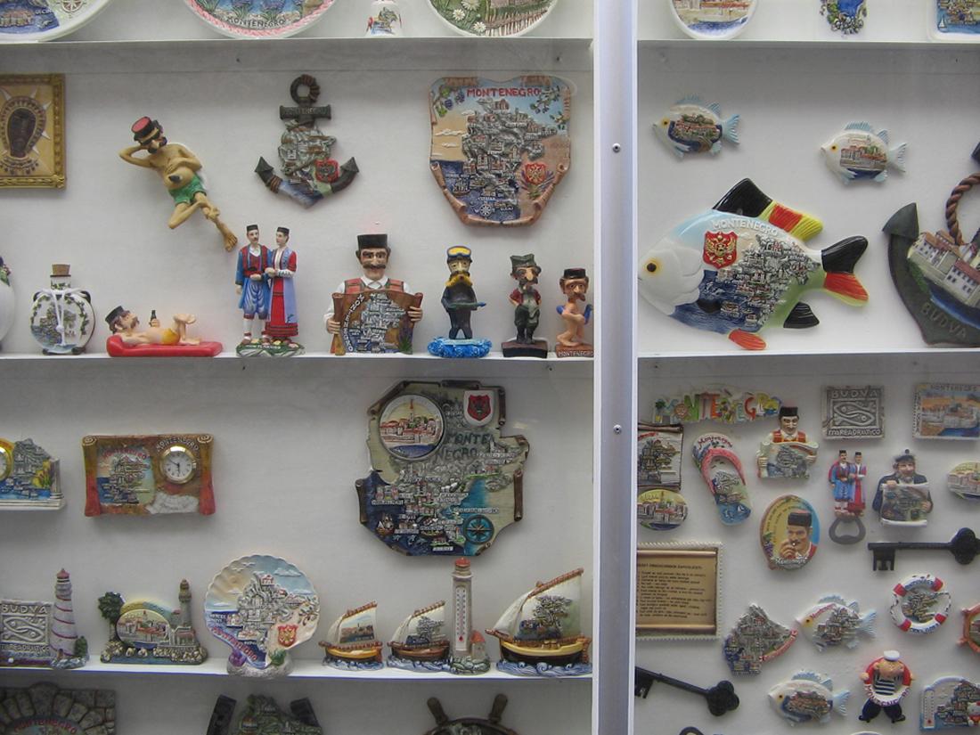 Сувенирные магниты из Черногории