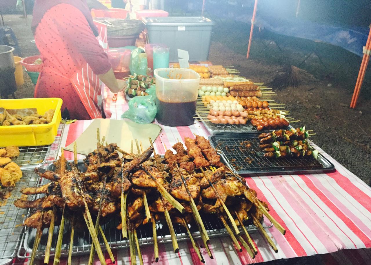 Уличная еда на Ночном рынке Лангкави