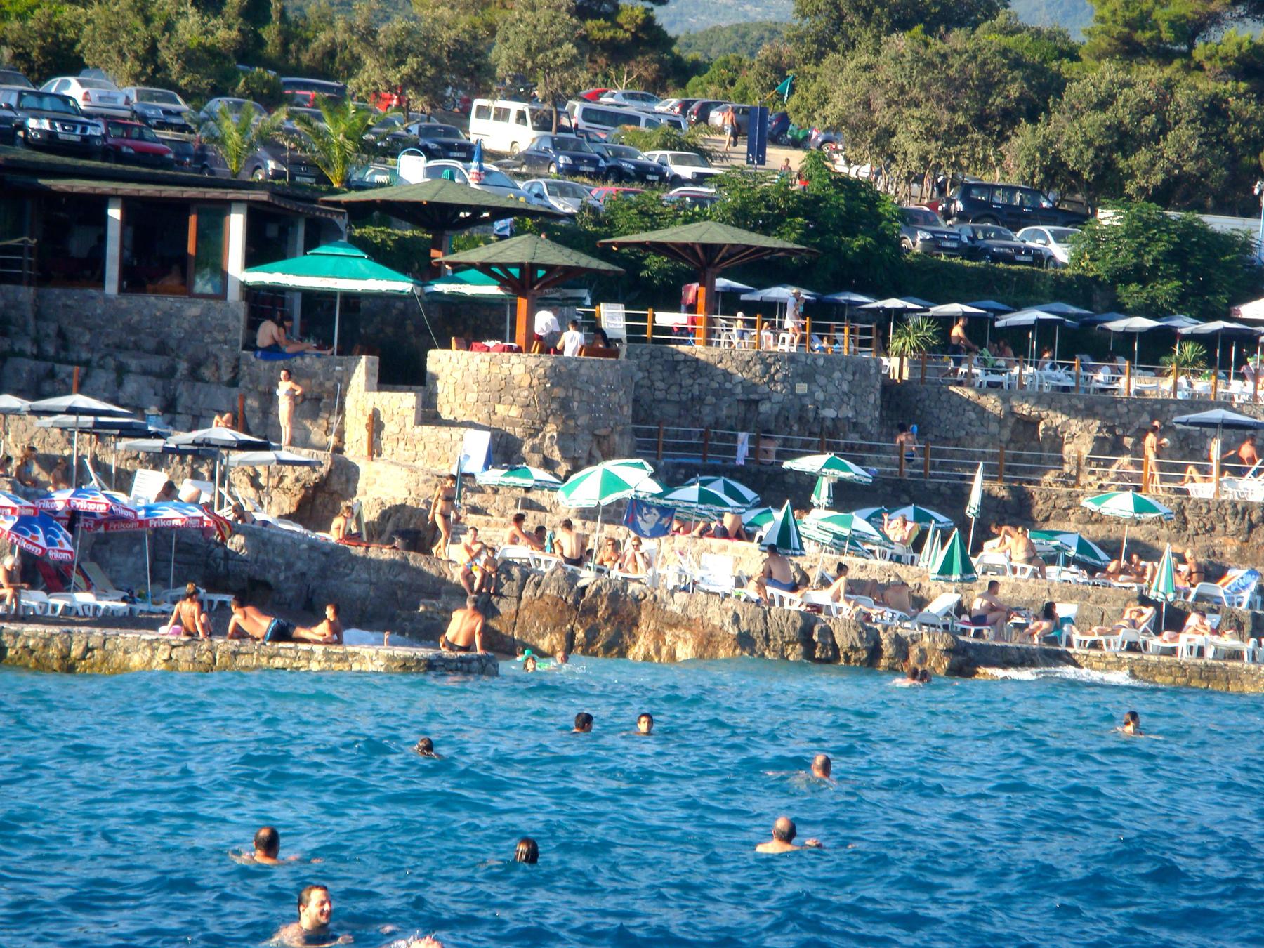 Черногорский пляж Плоче