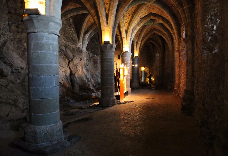 Подвал Шильонского замка