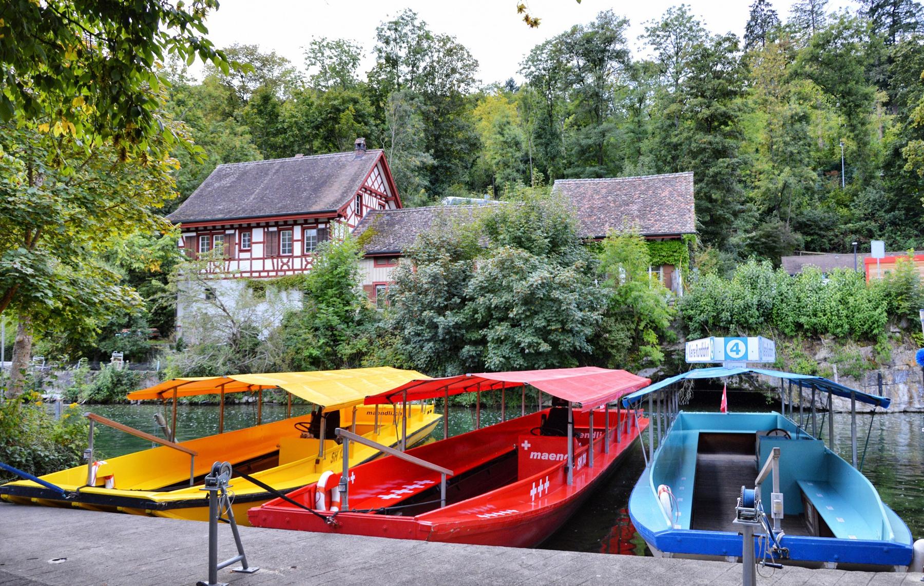 Прогулочные катера к утесу Рейнского водопада