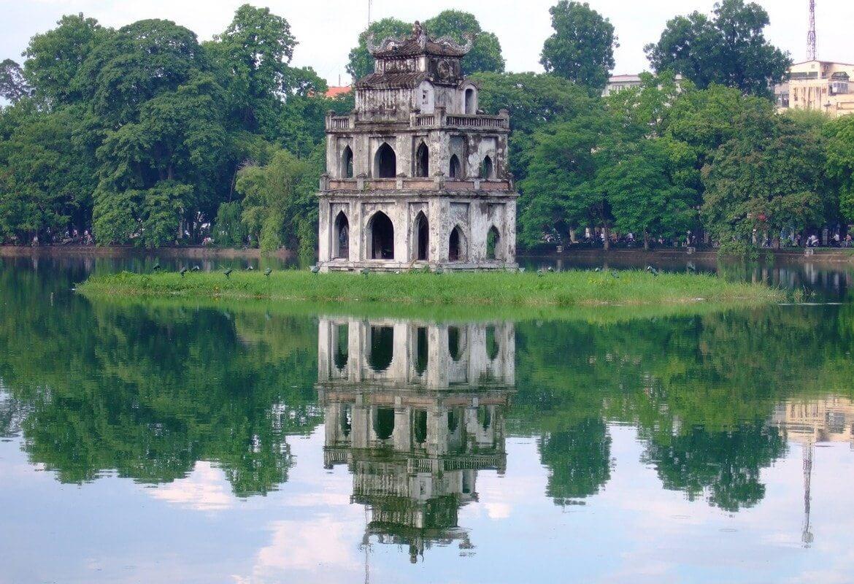 Озеро Hoan Kiem Lake
