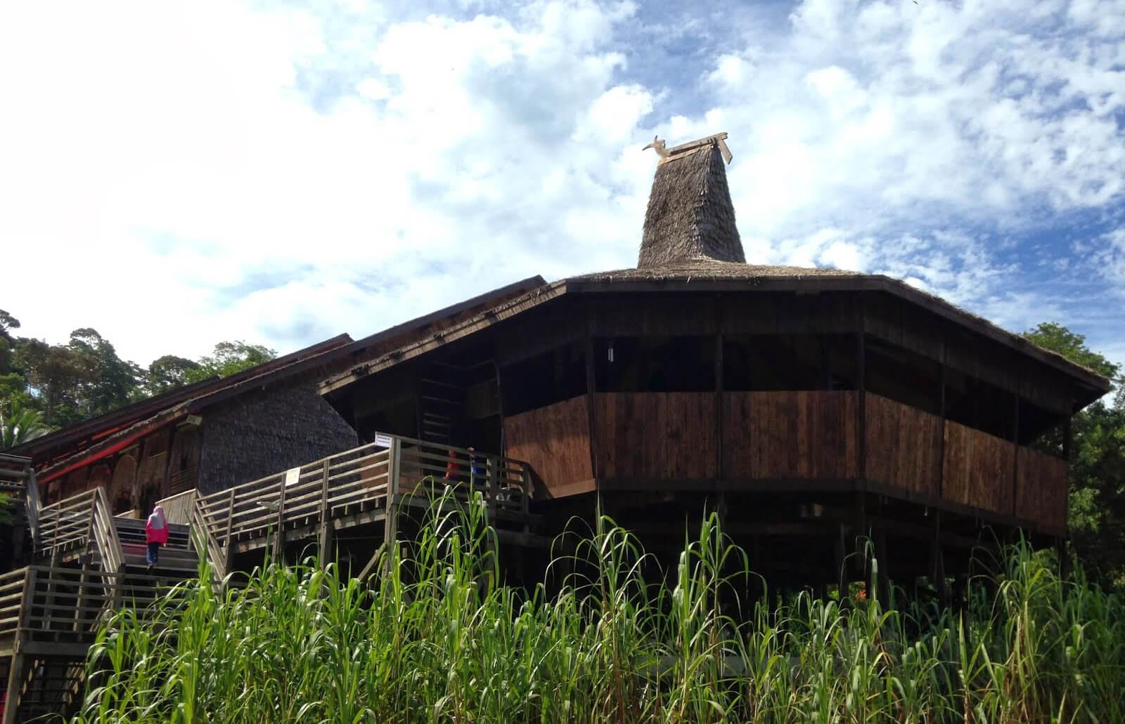 Деревня культуры Саравак (Sarawak Cultural Village)