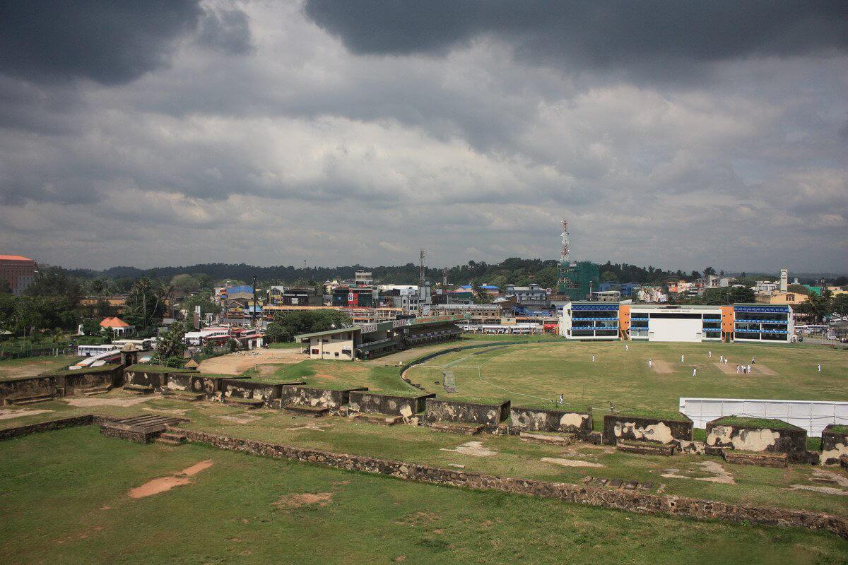 Граница форта Галле возле крикетного стадиона