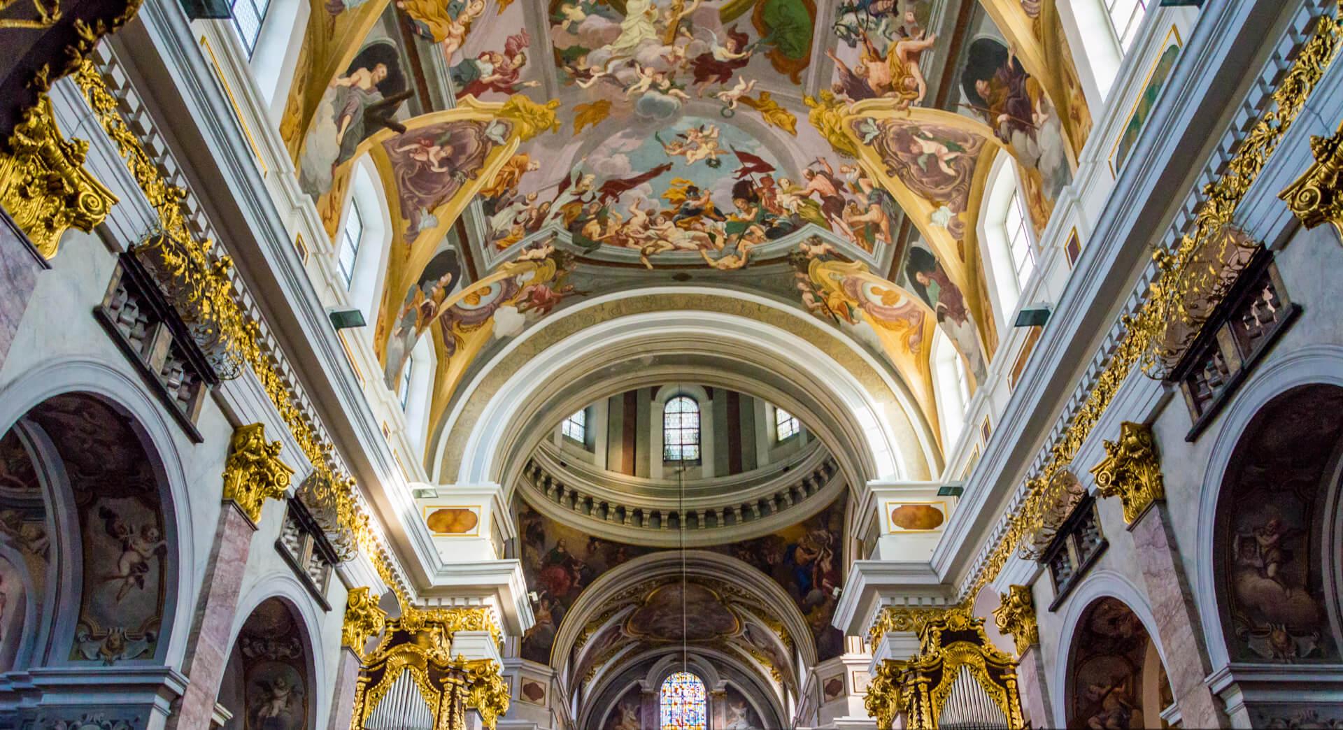 Роспись потолков в соборе