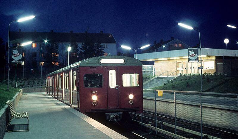 Поезд Т1000 на станции Bergkrystallen в 1971 году