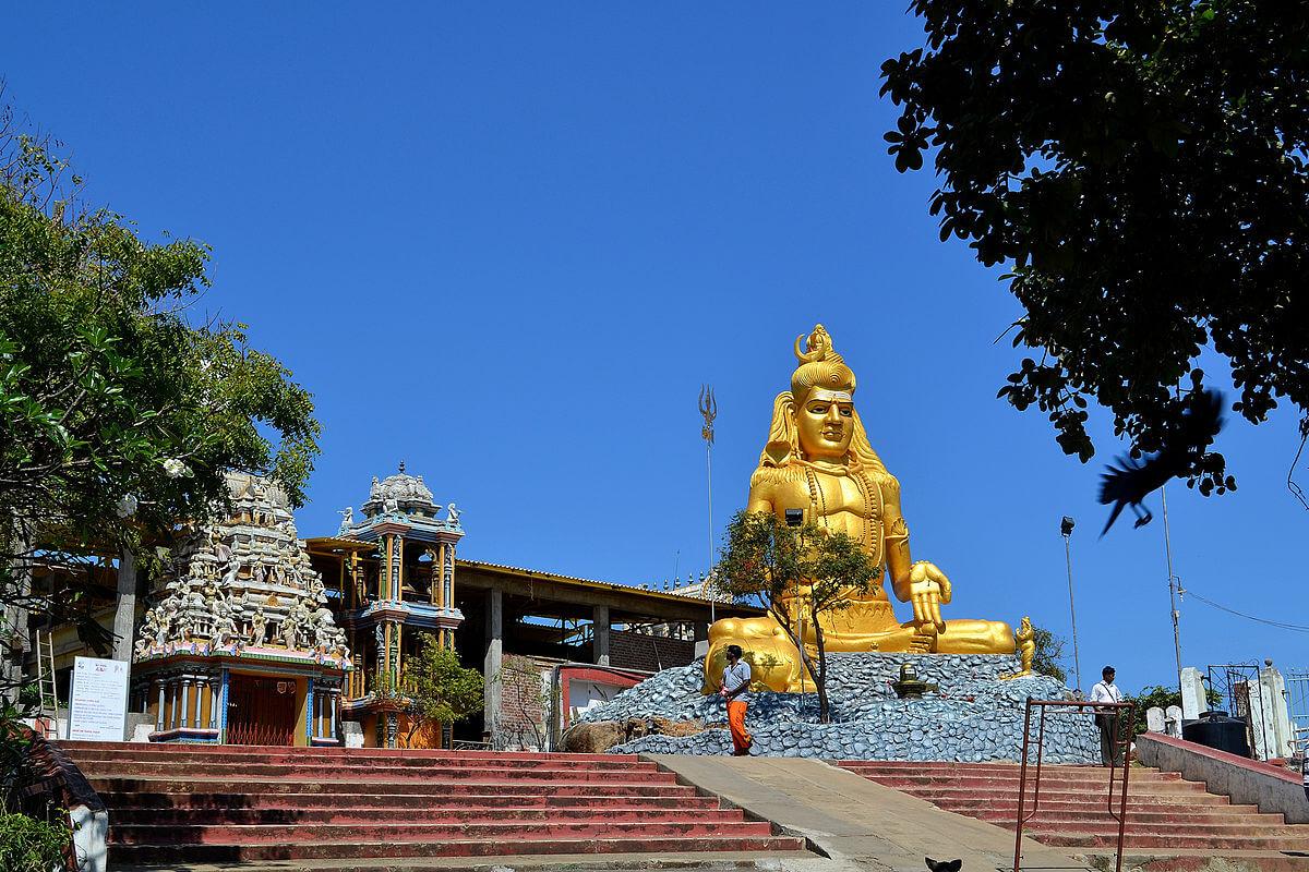 Индуистский храм Конесварам