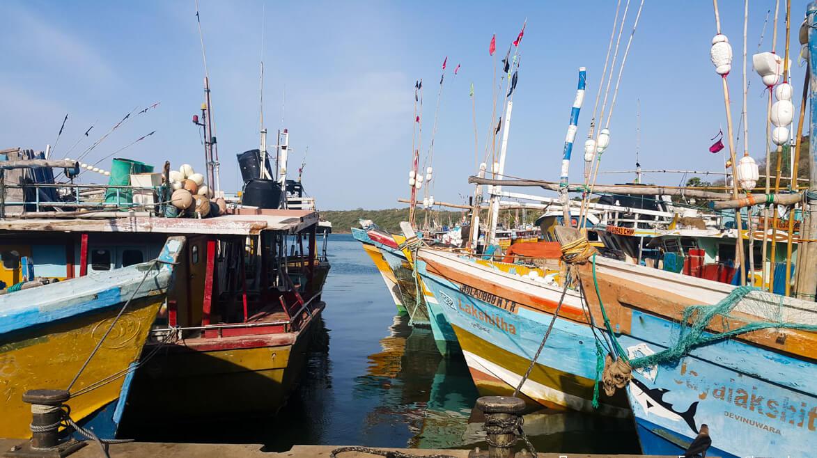 В порту Тринкомали