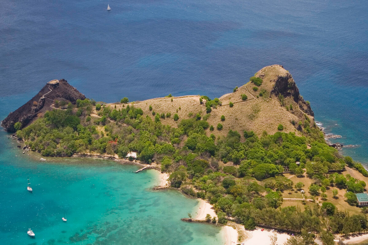 Вид сверху на остров Пиджеон