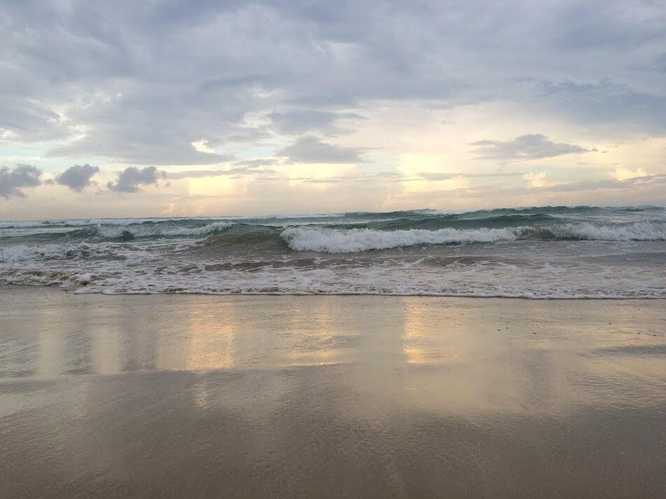 Летнее бушующее море