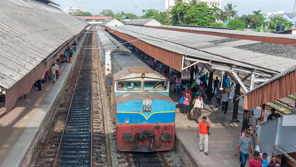 Поезд Коломбо - Матара