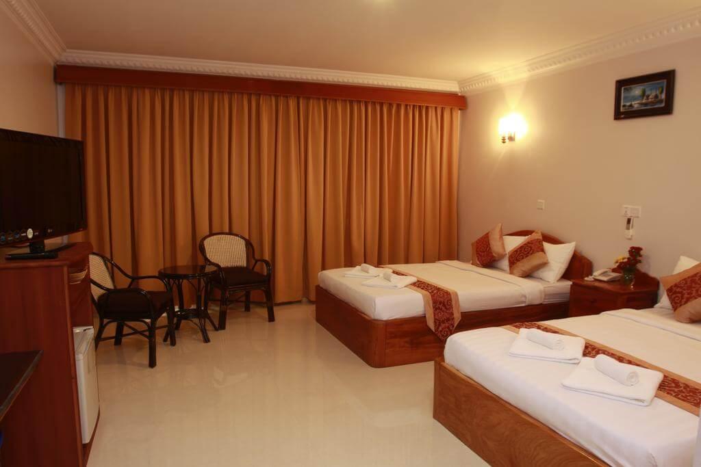 Номер в 3-х звездочном отеле White Beach Hotel