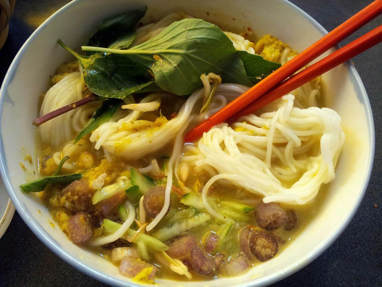 Национальное блюдо - Ном бан чок