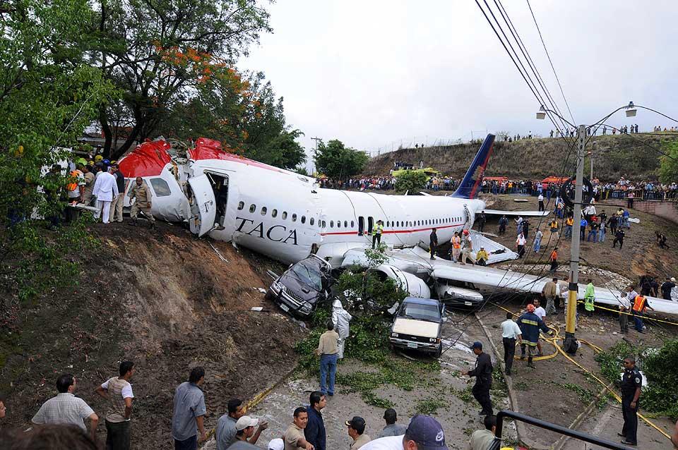 Авария в аэропорту в Гондурасе