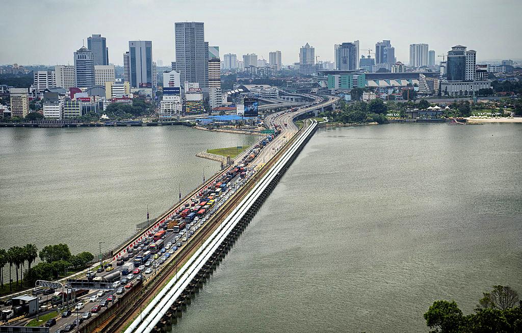 Автомобильно-железнодорожный мост Johor-Singapore Causeway