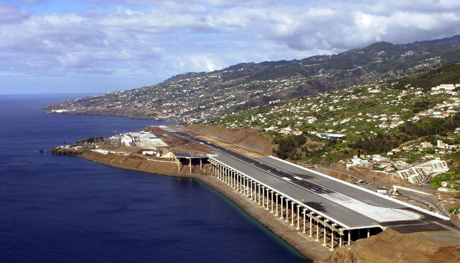 Аэропорт на острове Мадейра