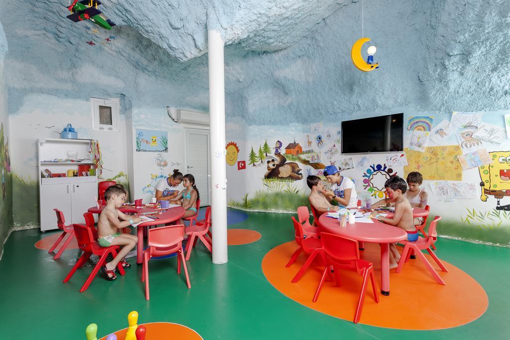 Детские аниматоры Karmir Resort Spa