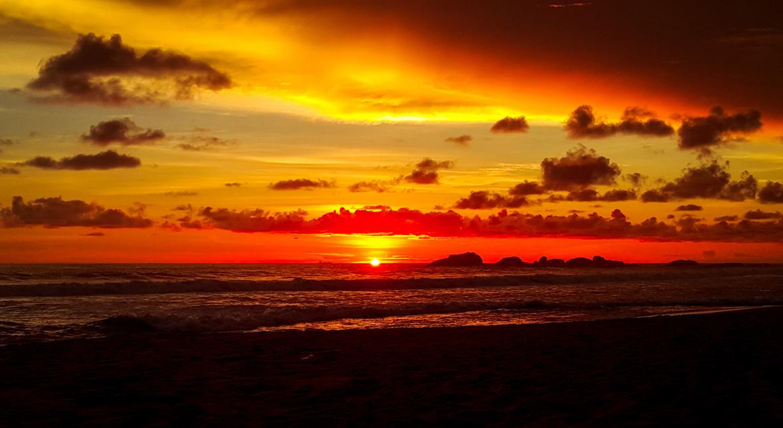Закат в Хиккадуве, Шри-Ланка
