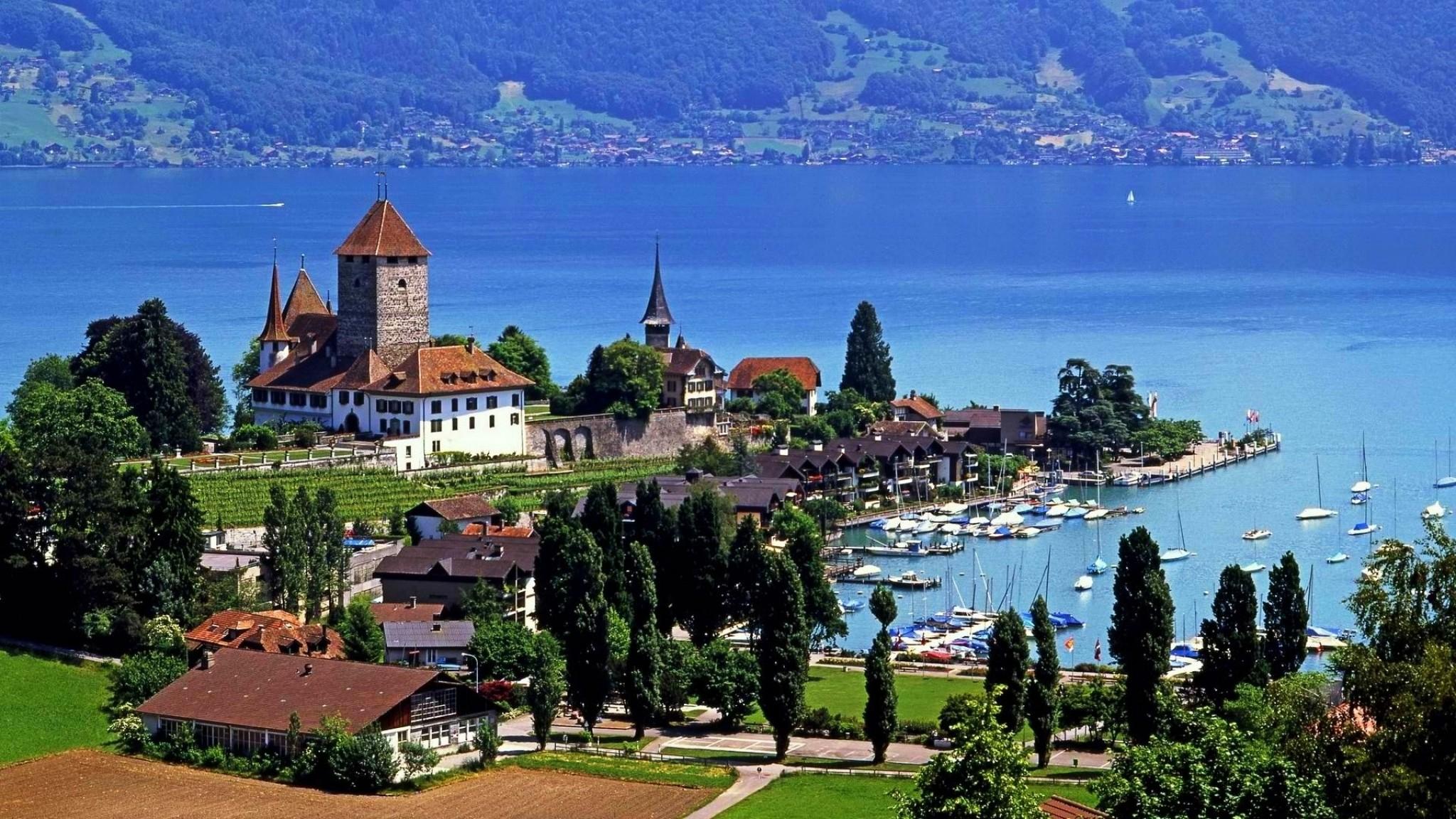 Замок Шпиц в Швейцарии