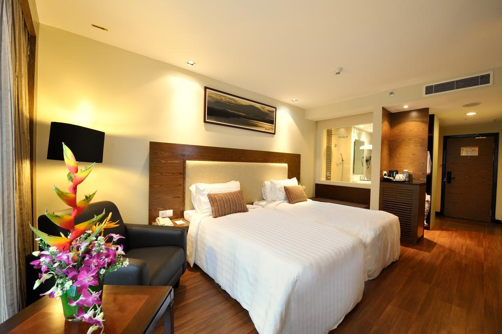 Номер в 3* отеле Grand Borneo Hotel