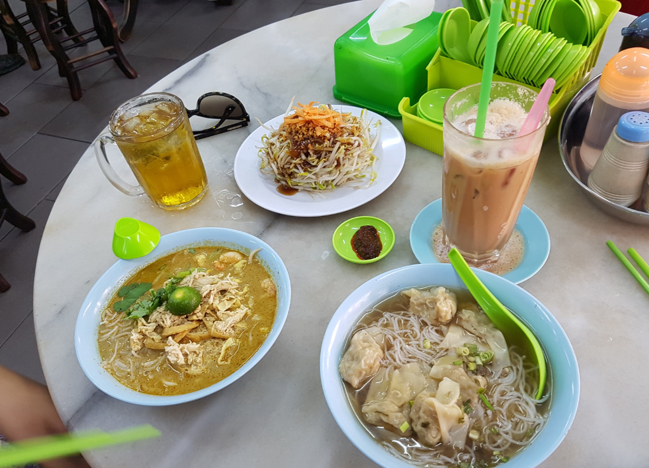 Обед в Kedai Kopi Yee Fung