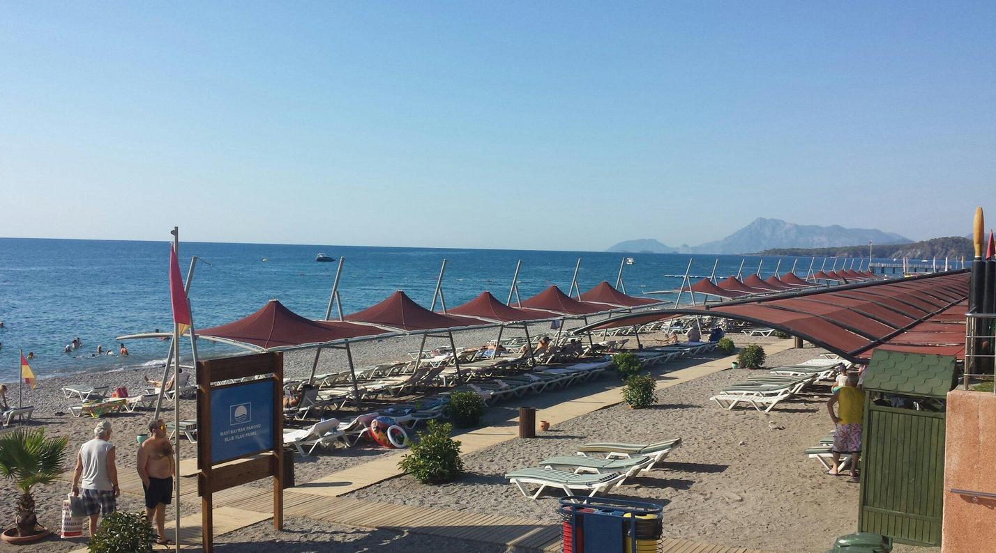 Пляж в Limak Limra Hotel & Resort находится на 1-й линии