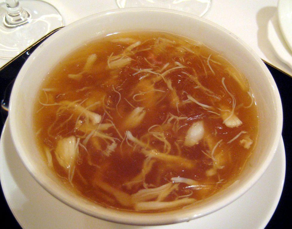 Суп из акульих плавников в одном из ресторанов