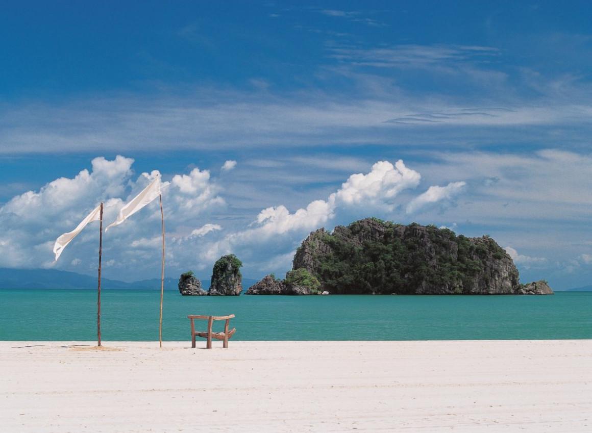 Пляж Танджунг Ру