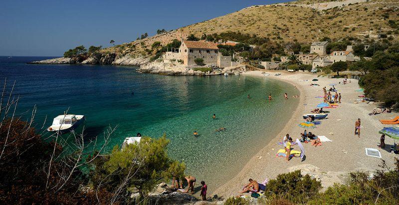 Хвар, Пляж Дубровица