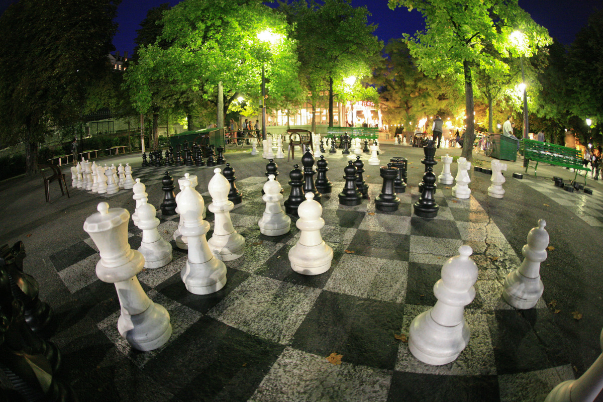 Шахматы в парке Бастионов в Женеве