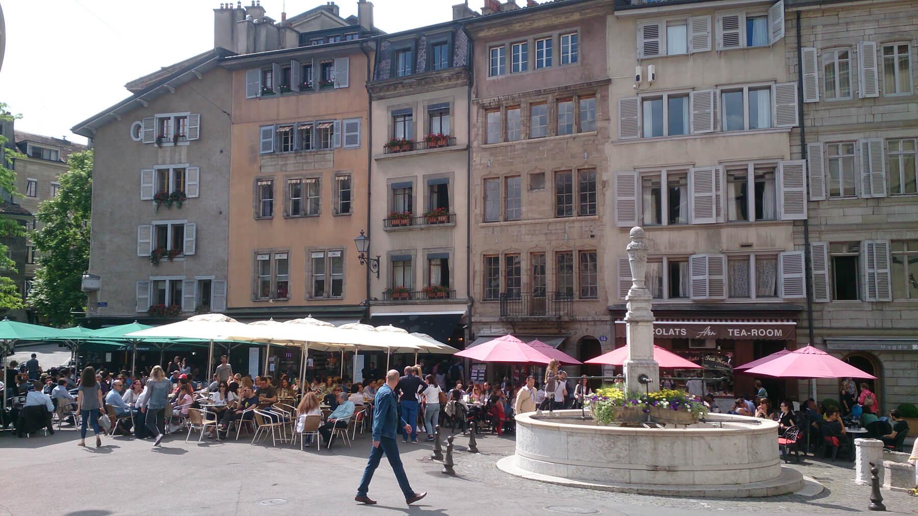 Кафешки вокруг площади Bourg du Four