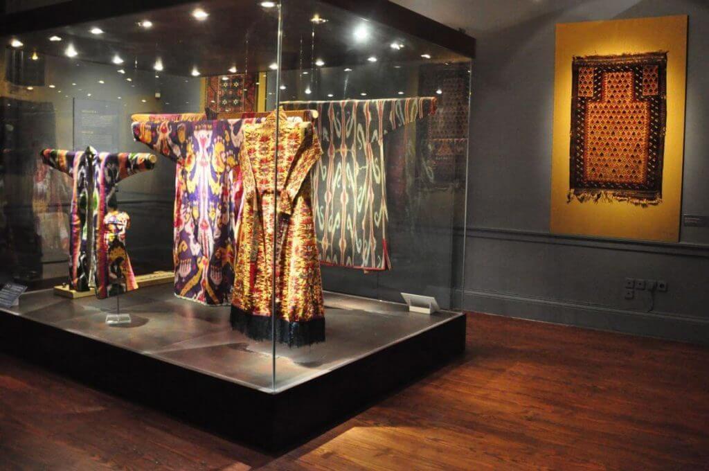 В музее искусства стран Азии