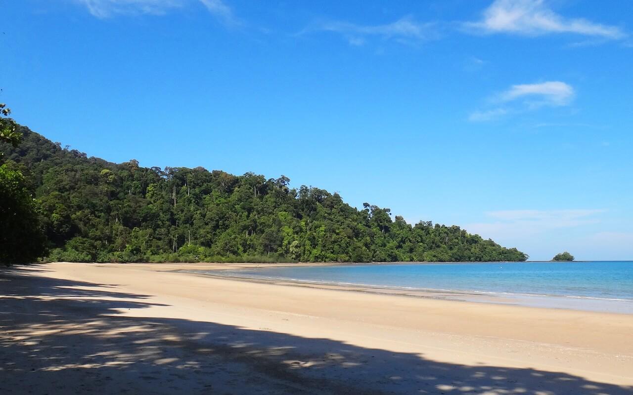 Пляж Datai Bay