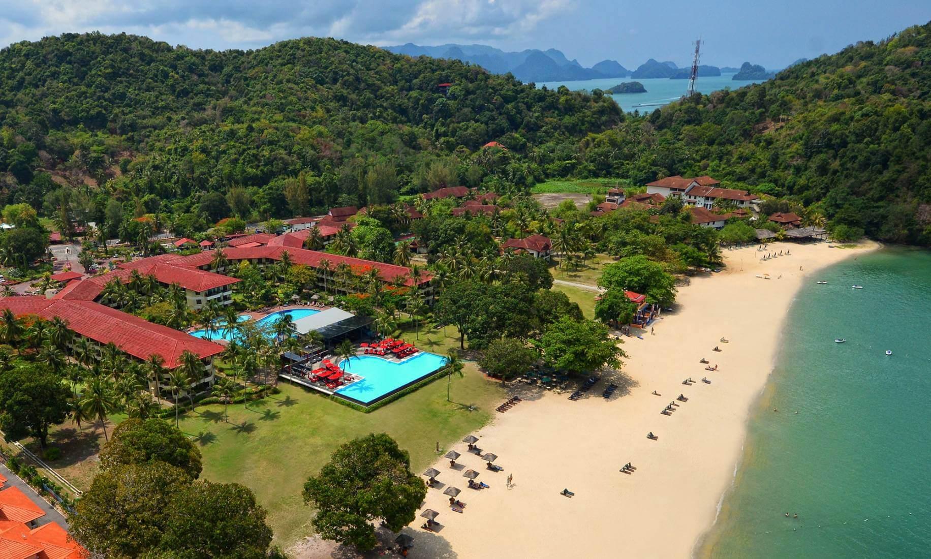 Спа-отель Holiday Villa Beach Resort в Лангкави