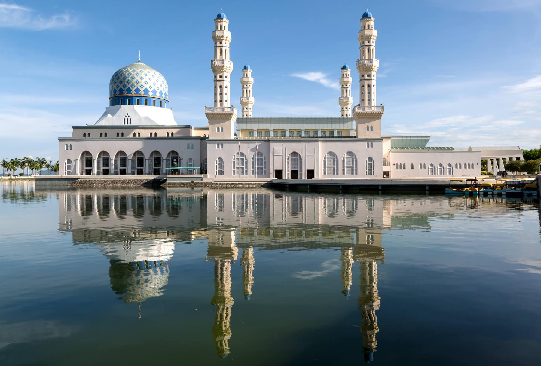 Городская мечеть Kota Kinabalu City Mosque