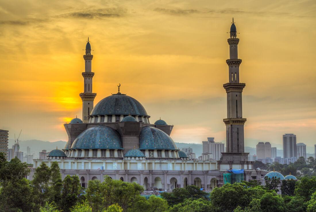 Мечеть Вилайят Персекутуан (Masjid Wilayah Persekutuan)