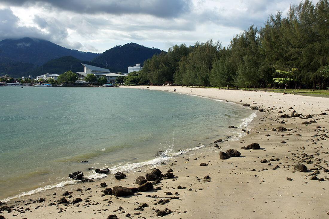 Пляж в конце парка «Легенда»