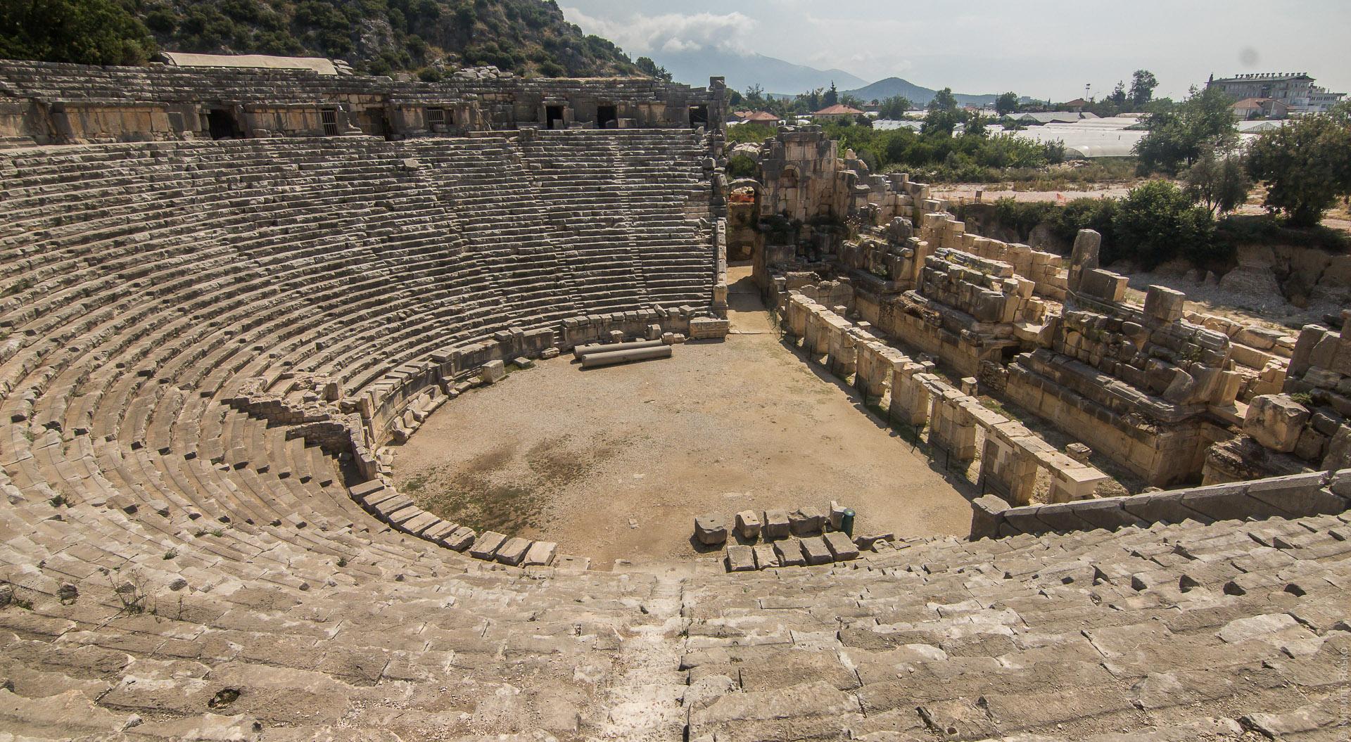Амфитеатр Мира