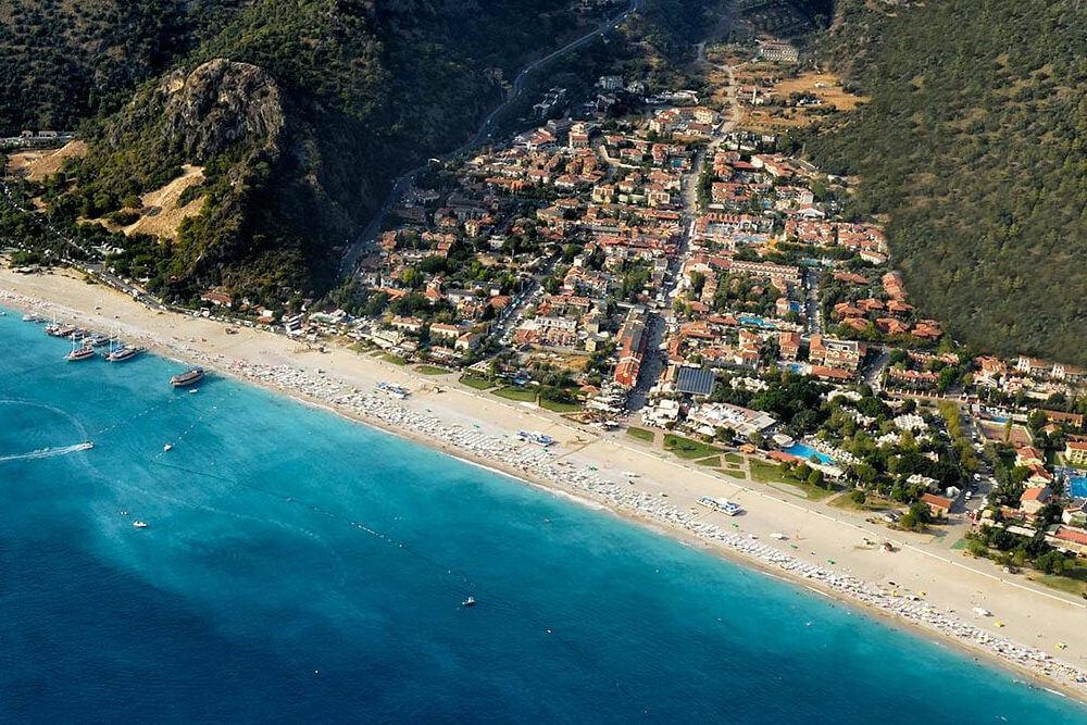 Вид на пляж Belcekiz beach