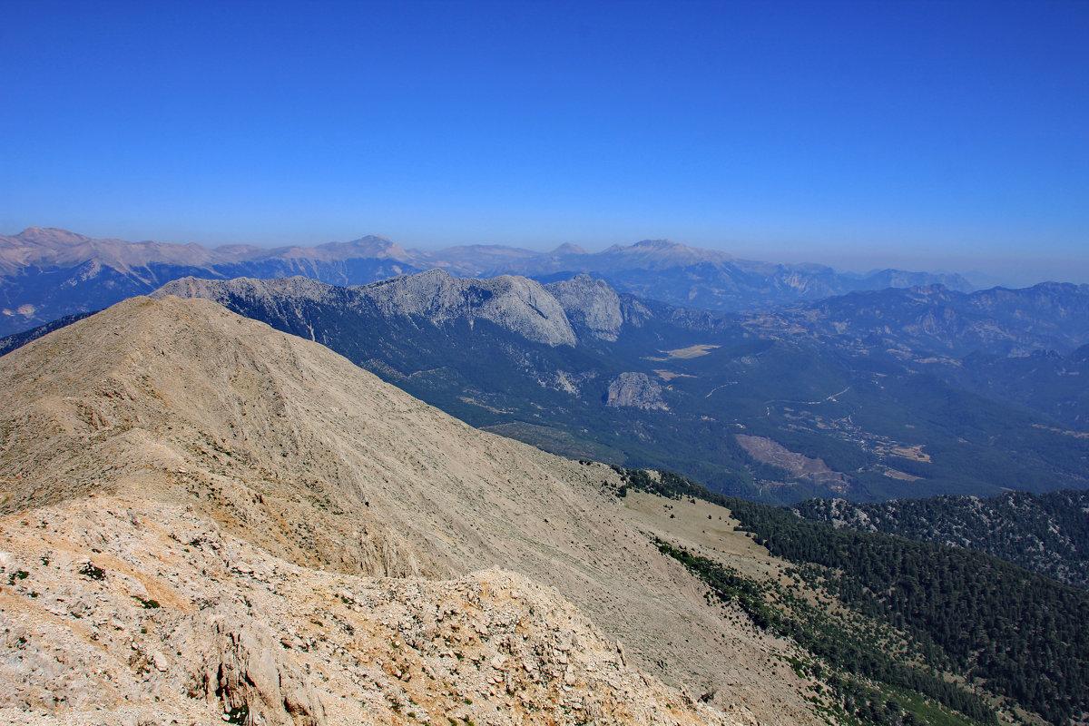 Вид с горы Тахталы