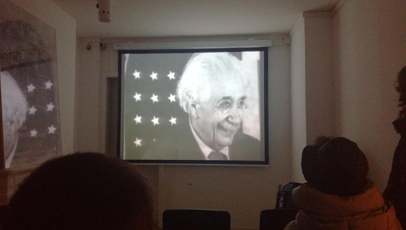 Документальный фильм о жизни Эйнштейна