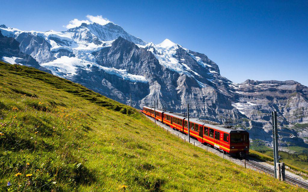 Железная дорога Юнгфрау - гордость Лаутербруннена