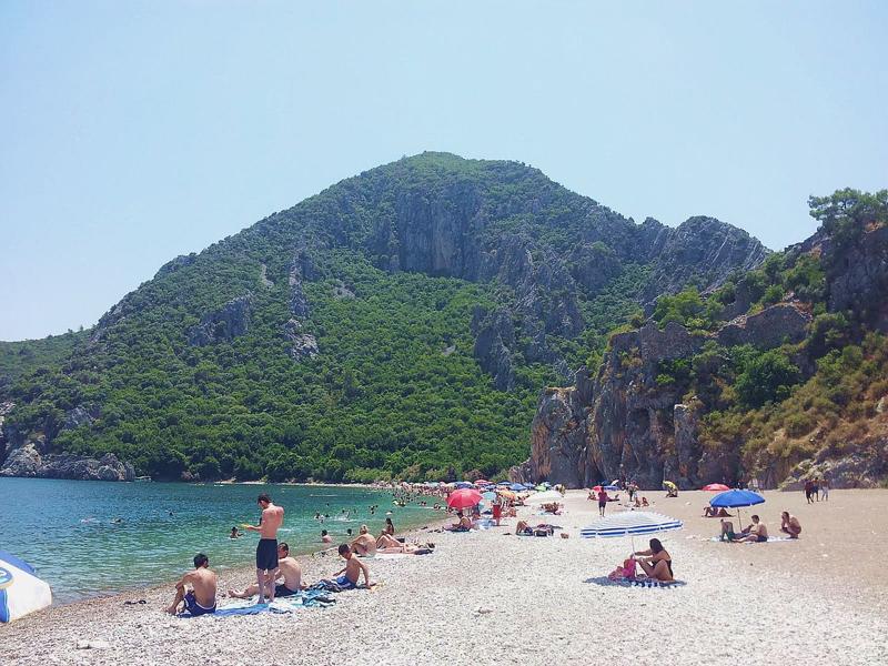 На пляже Чирали летом