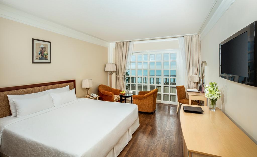 Номер в отеле Sunrise Nha Trang Beach Hotel & Spa
