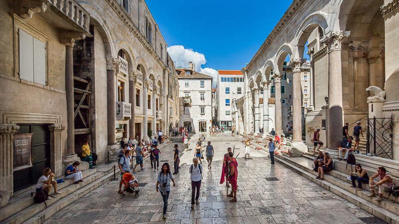 Перистиль дворца Диоклетиана