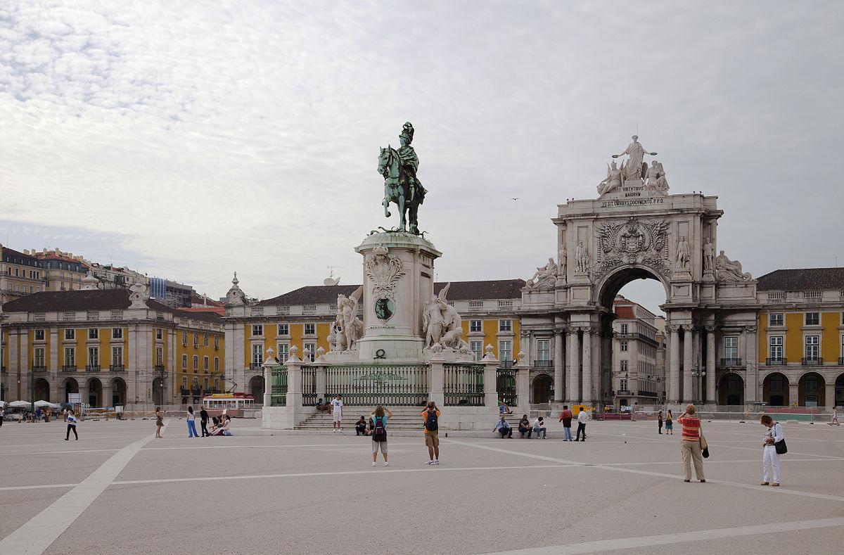 Площадь Коммерции в Лиссабоне